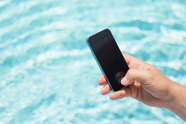 Utopiłeś telefon? Zawołaj delfina!