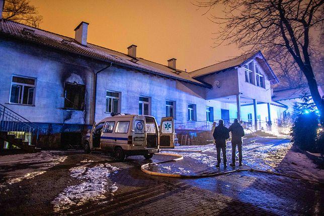 Pomorskie. Cztery osoby zginęły w pożarze hospicjum w Chojnicach. Ogień ugaszono [ZDJĘCIA]