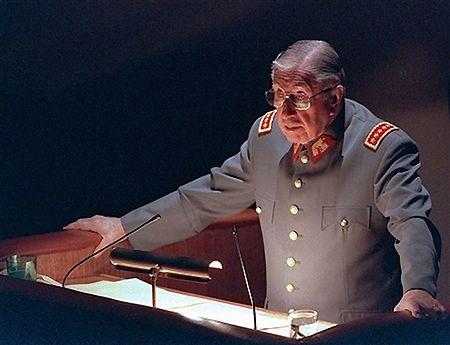 Zmarł Augusto Pinochet - zamieszki w Chile