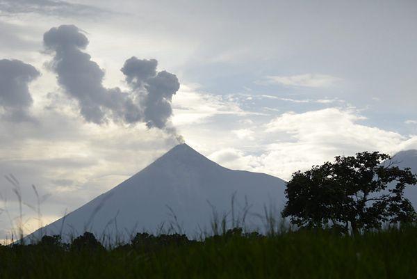 """""""Wulkan Ognia"""" w Gwatemali znów aktywny"""