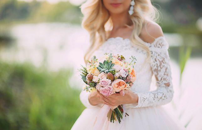 Panna młoda postawiła na kreację z sieciówki. Jej suknia ślubna została wyśmiana przez znajomych