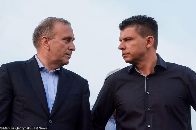 Grzegorz Schetyna, lider Platformy Obywatelskiej, zaoszczędził 400 tys. zł, a były lider Nowoczesnej w Ryszard Petru Consulting zarobił 216 tys. zł.