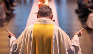 """Ojcowie bernardyni z Łęczycy odmówili w sprawie chrztu. Kaja Godek: """"Wykazali się wiarą i niezłomnością"""""""