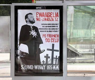 Plakaty z Łukaszem Szumowskim. Amnesty International zaniepokojone działaniami ws. aktywistki