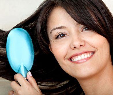 Pielęgnacja plączących się włosów może być łatwiejsza, dzięki szczotce Tangle Teezer