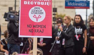 """""""Wysokie Obcasy"""" promują slogan """"aborcja jest OK."""