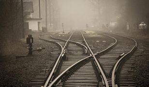 W Katowicach pociąg śmiertelnie potrącił osobę.