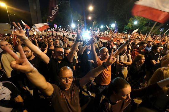 Hołownia, Dehnel, Tymański, Kulka i inni zaprotestują dziś przed Pałacem Prezydenckim