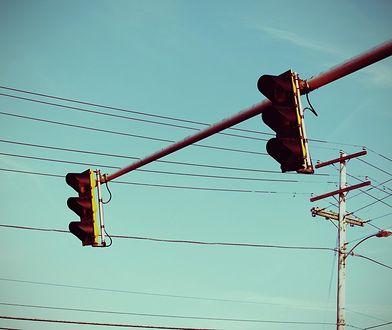 Straż Miejska testuje nową metodę walki z wjeżdżającymi na czerwonym świetle