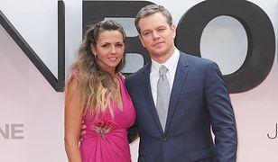 """Matt Damon z piękną żoną na premierze filmu """"Jason Bourne"""""""