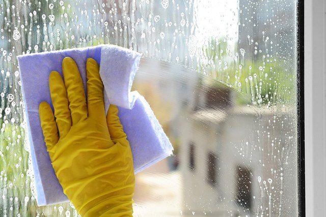 Mity na temat mycia okien