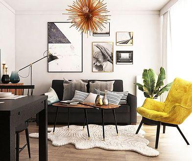 Żółty fotel obity pluszem