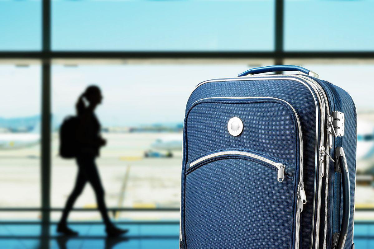 Turyści na tunezyjskiej plaży, a bagaż został na lotnisku? Odpowiedzialny nie samolot, a biuro podróży