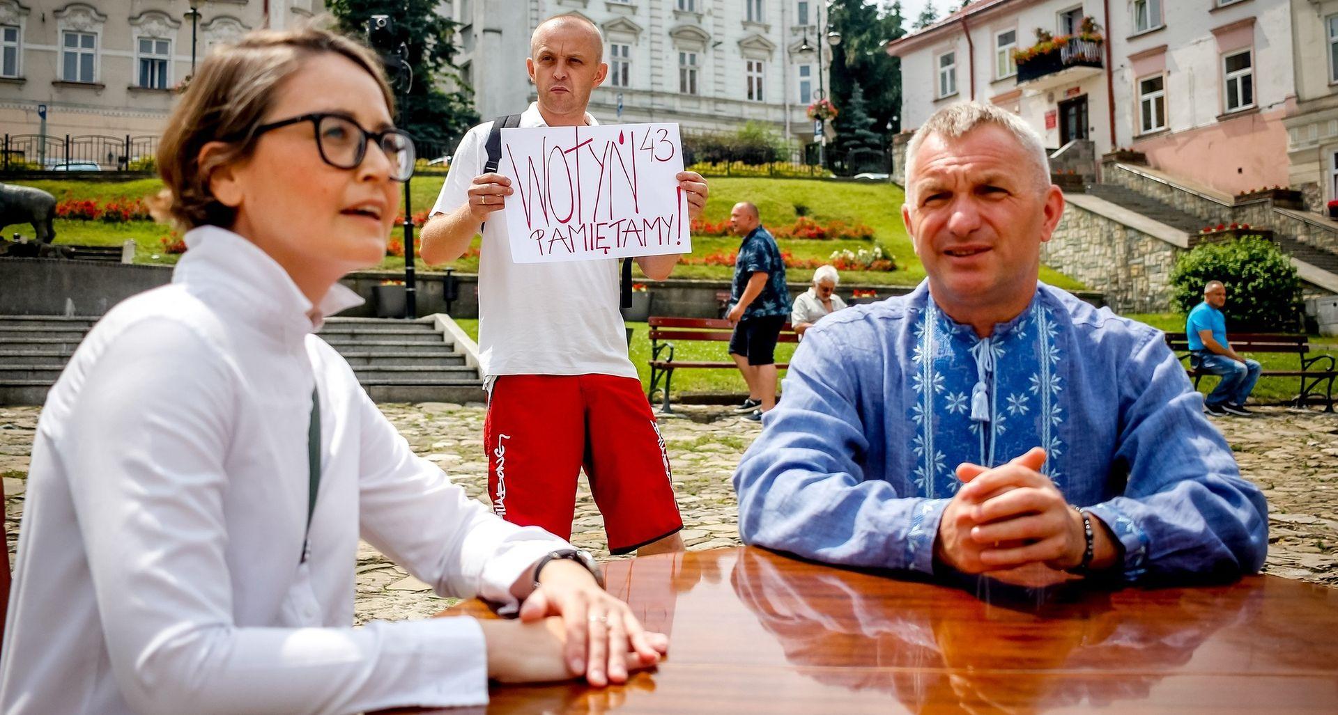 """""""Tak się wyrasta na Ukraińca"""". Ani swoi, ani obcy w Przemyślu"""