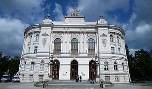Warszawa. Dane z Politechniki Warszawskiej pojawiły się w internecie