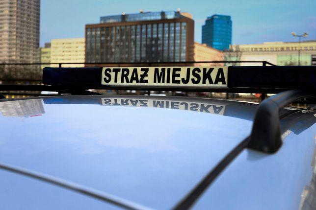 Mężczyzna zmarł w radiowozie straży miejskiej