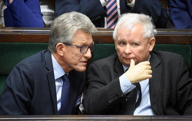 Stanisław Piotrowicz i Jarosław Kaczyński w Sejmie