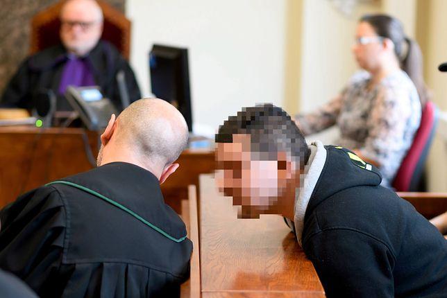 Szymon B. został skazany na ponad 12 lat więzienia za przyczynienie się do śmierci swojej 2-letniej pasierbicy