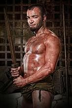 """Były gladiator łotrem w """"Arrow"""""""