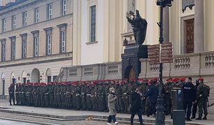 Protesty w Warszawie. Na ulicach gromadzi się żandarmeria wojskowa
