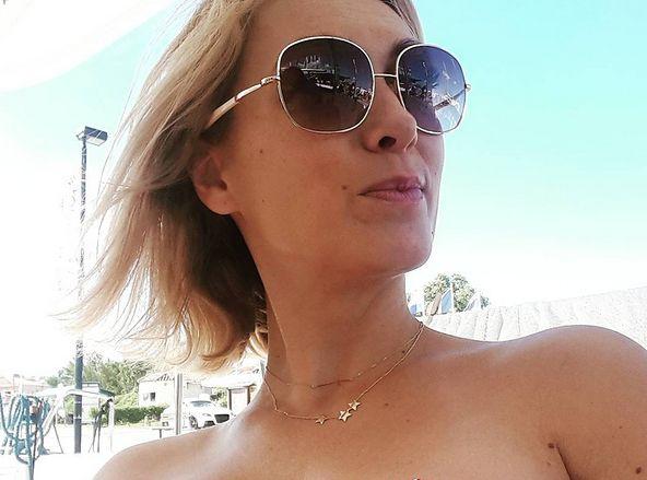 Anna Kalczyńska wrzuciła zdjęcie w bikini i bez obróbki graficznej. Fani zasypali dziennikarkę komplementami