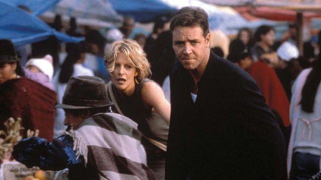 """Meg Ryan i Russell Crowe w filmie """"Dowód życia"""", 2000"""