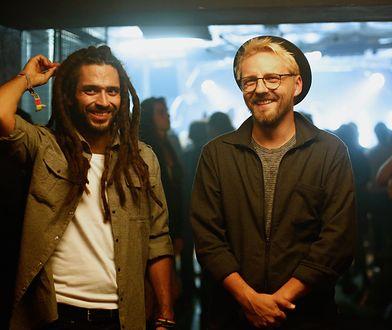 """Mesajah, którego piosenki cieszą się olbrzymią popularnością na YT i w radiu wystąpił w filmie """"Serce nie sługa""""."""