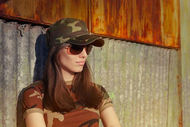 Wojskowe ubrania nosimy nie tylko na zajęcia sportowe, ale i na wiele innych okazji