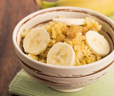 Jaglanka z bananami to jedna z propozycji lekkiego śniadania