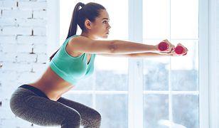 Biustonosz sportowy chroni piersi przed deformacjami