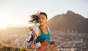 Biustonosz sportowy to podstawowy element garderoby kobiety aktywnej
