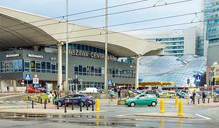 """PKP zarzuca się, że zamieniła Dworzec Centralny i jego otoczenie w """"nośnik reklamowy"""""""