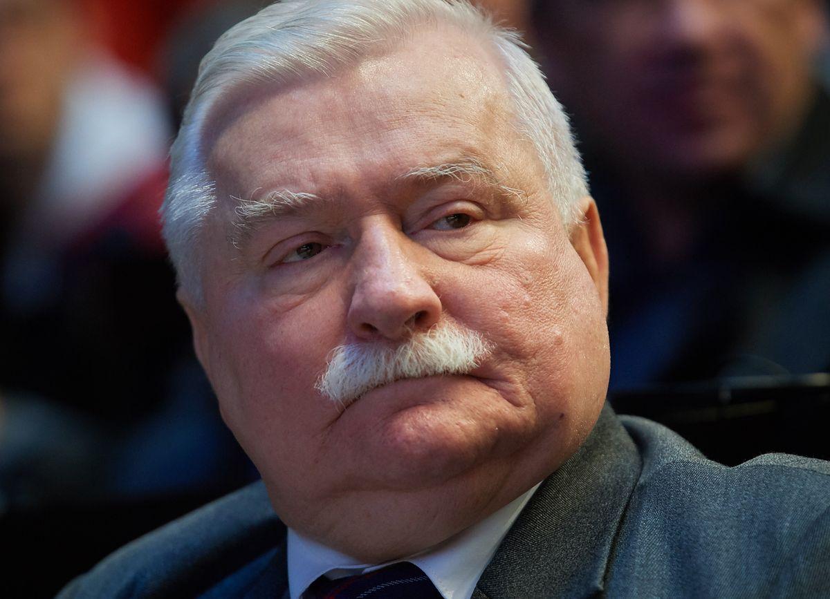 Spoliczkowana demonstrantka. Lech Wałęsa i Pawłowicz komentują zajście