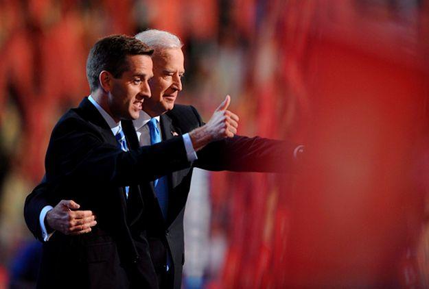 Joe Biden z synem Beau Bidenem w 2008 roku na Konwencji Demokratów