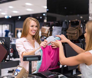 Internautki sugerują właścicielce, żeby lepiej eksponowała produkty