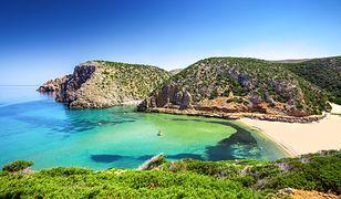 Rajska Sardynia co roku przyciąga miliony turystów