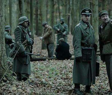 Robert Więckiewicz (po prawej) jest jednym z polskich aktorów występujących w brytyjskim filmie