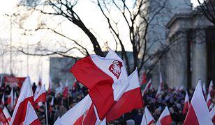 Flaga Polski na 11 listopada. Sprawdziliśmy, gdzie można ją kupić