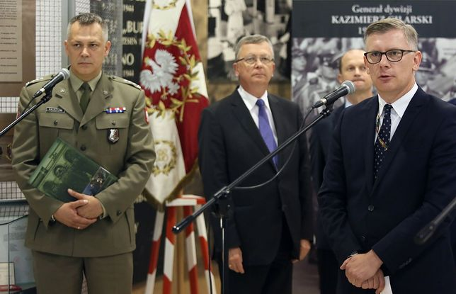 Szczątki polskich oficerów zostaną sprowadzone z USA do Polski. Będą pochowani na Powązkach