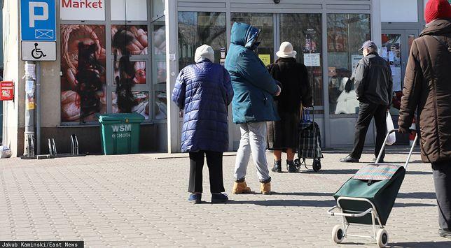 Niektórzy klienci przychodzą do sklepów codziennie, a nawet kilka razy dziennie