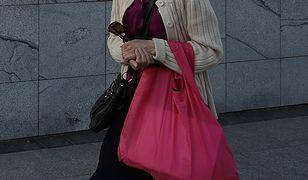 Opiekunki do osób starszych to częsty zawód wśród kobiet 50+