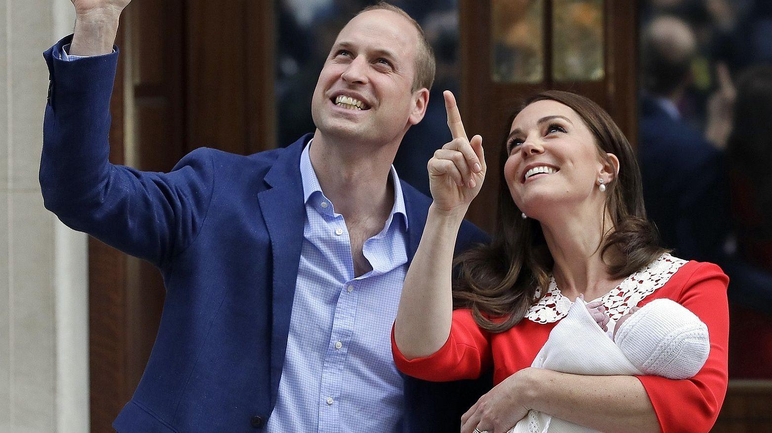 Kate pokazała trzecie Royal Baby kilka godzin po narodzinach