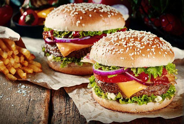 Co się kryje w mięsie burgerów?