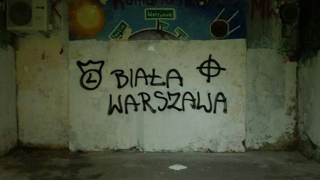 "Rasistowskie napisy wróciły. ""Potniemy Was"""