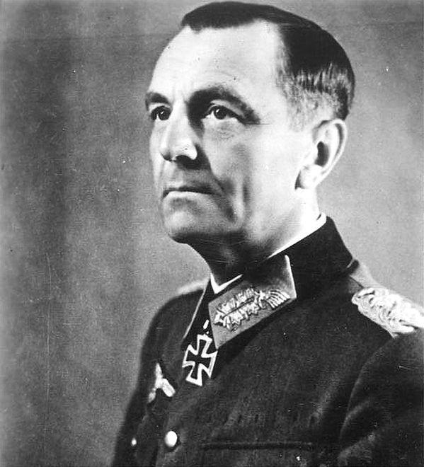 Feldmarszałek Friedrich Paulus przegrał bitwę o Stalingrad i przeszedł na stronę Sowietów