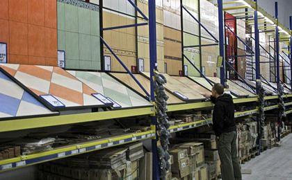 Goście ze Wschodu kupują w Polsce materiały budowlane, Polacy na Wschodzie - paliwa
