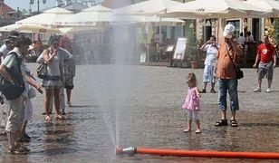 Upały w Warszawie. Kurtyny wodne dla mieszkańców do odwołania