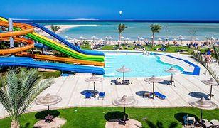 Na terenie hotelu znajduje się aż 16 basenów i 11 zjeżdżalni