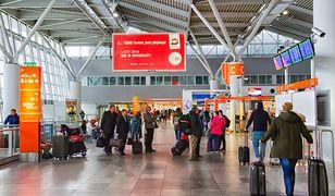 Kolejne oświadczyny na lotnisku Chopina w Warszawie