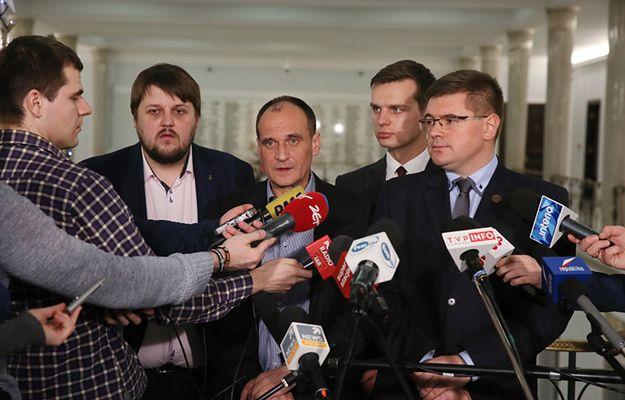 """Klub Kukiz'15 złożył projekt zmian w konstytucji. """"To jedyne wyjście"""""""